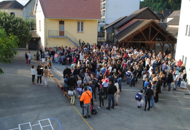 Les élèves de Jeanne d'Arc font leur rentrée Ensemble scolaire Rosaire Jeanne d'Arc