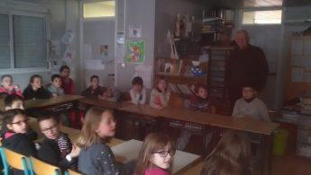 Visite de Mr Vincent pour la préparation du permis piéton des CE2